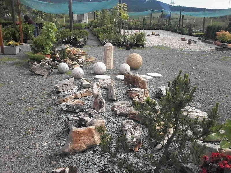 Štípaný přírodní kámen