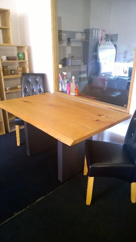 Stůl - masiv - bukové jádro