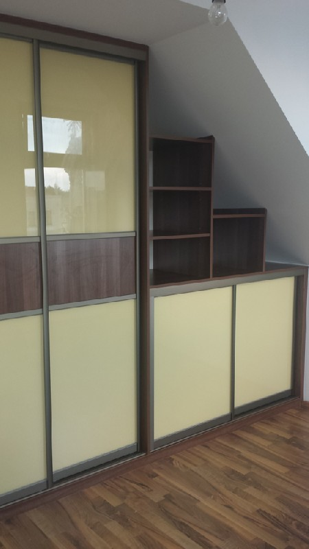 Skříně a nábytek na míru