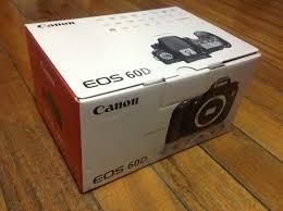 DSLR Canon EOS 6D s objektivem