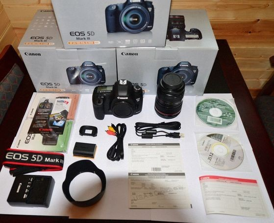 Canon EOS 5D Mark III Kit w/ EF 24-105mm f/4L IS USM Lens