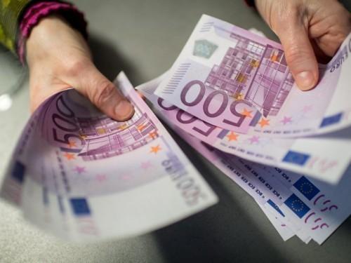 Finanční dohody a úvěr se všemi