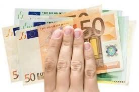 Poskytuje financování a úvěrů mezi vážnými jednotlivci.