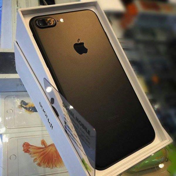 Apple iphone 7 / Whatsapp On: +2349033180786