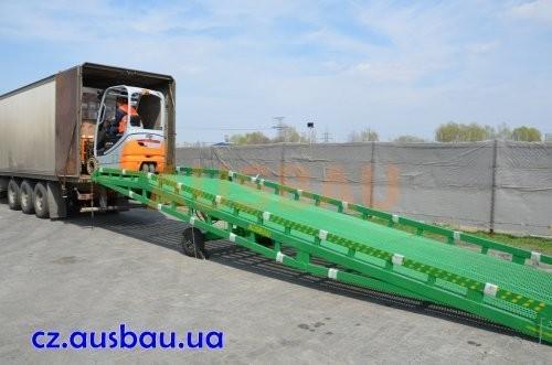 Nakládací rampy Ausbau pro námořní kontejnery