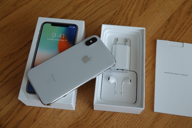Apple iPhone X 64gb €445 iPhone X 256gb €500 iPhone 8 Plus €400 iPhone 7 €300