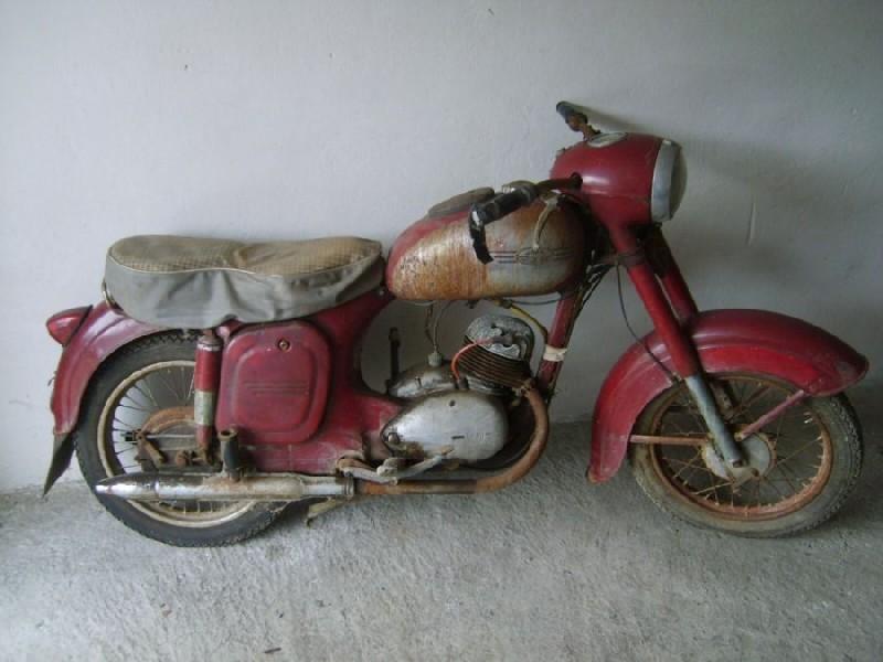 Koupím starou motorku Jawa 250, 350 aj.