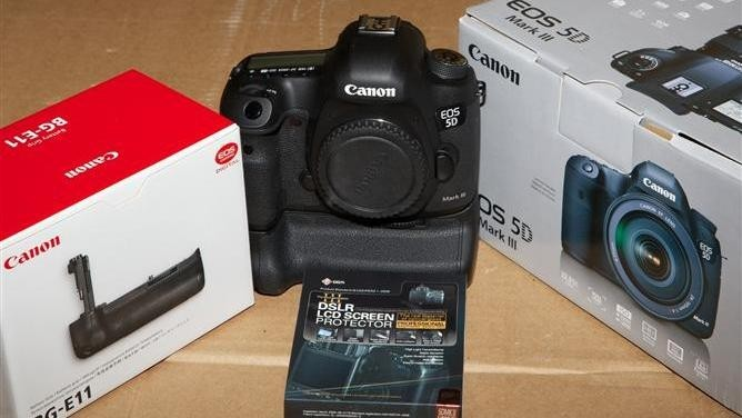 DSLR Canon EOS 5D Mark III Kit