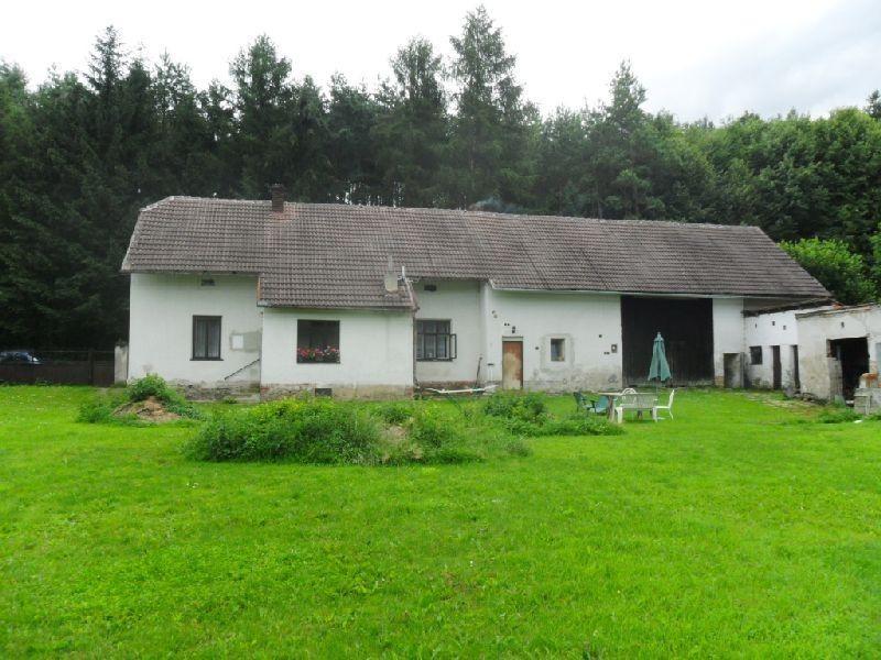 Prodej rodinného domu 113 m², velký pozemek 2 246 m²